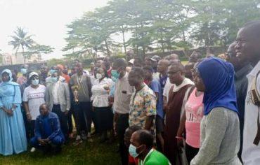 Jóvenes cristianos y musulmanes unidos por el deporte en Costa de Marfil